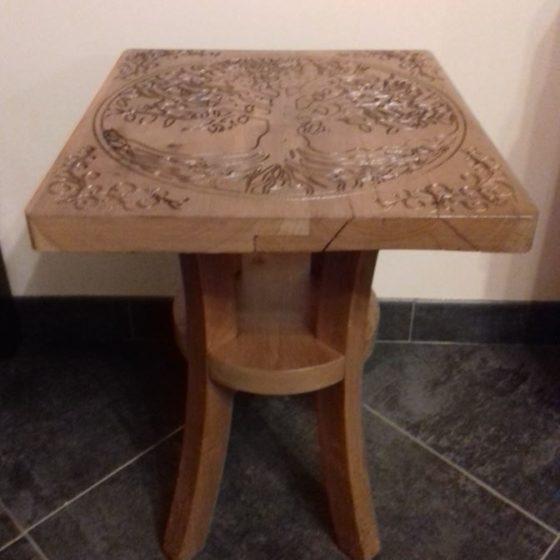 Table en bois et gravure 1