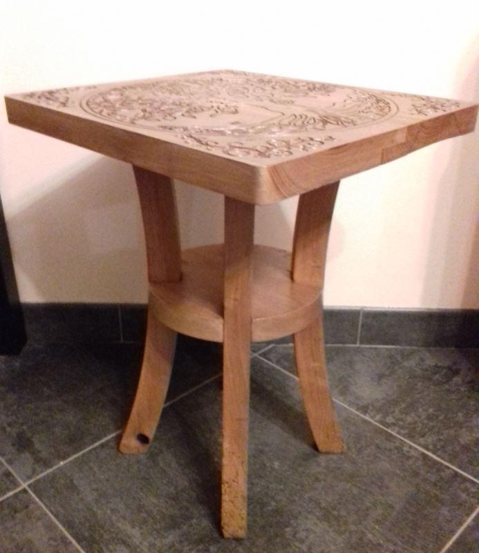Table en bois et gravure 2